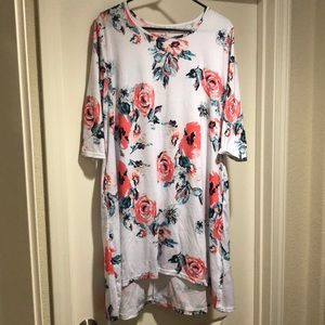 Dresses & Skirts - Floral Dress Tunic